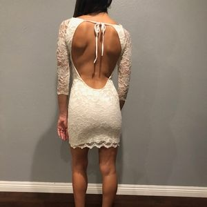 Dresses & Skirts - WHITE LACE BACKLESS DRESS